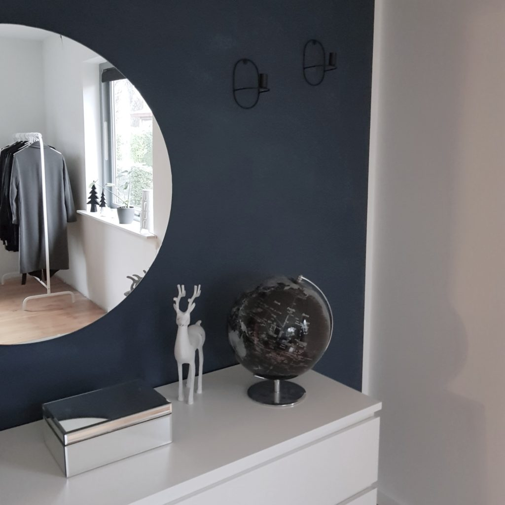 Picture of: Makeover Af Sovevaerelse Stilrent Med Et Twist The Interior Spotlight
